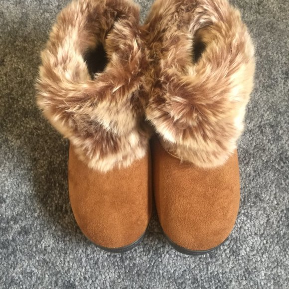 Slippers/Boots